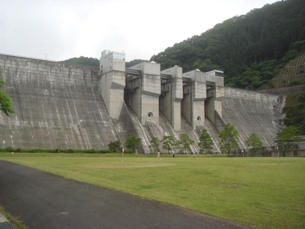 dam13.jpg